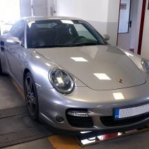 - Porsche 911 Turbo
